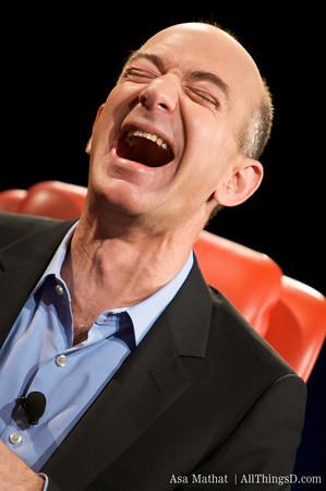 Jeff Bezos hilare